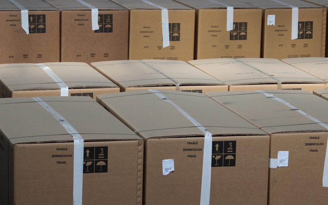 Koerier verduistert ruim 500 telefoons